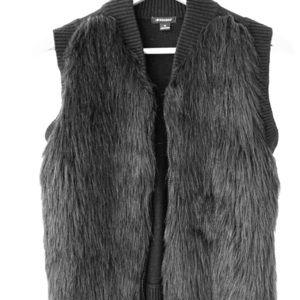 I ♥️ Ronson-faux fur knit vest.
